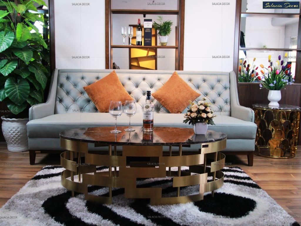 Tạo điểm nhấn riêng cho phòng khách chung cư với bàn trà bầu dục